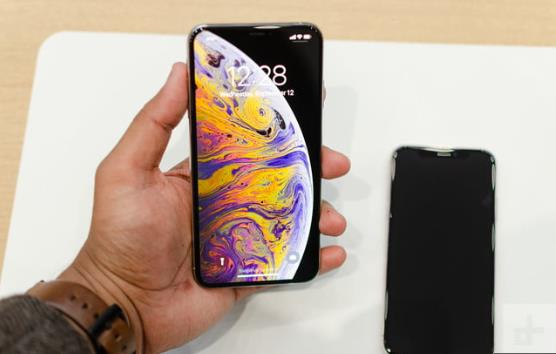 spesifikasi iPhone XS